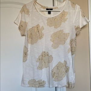 Gap white tee with gold roses